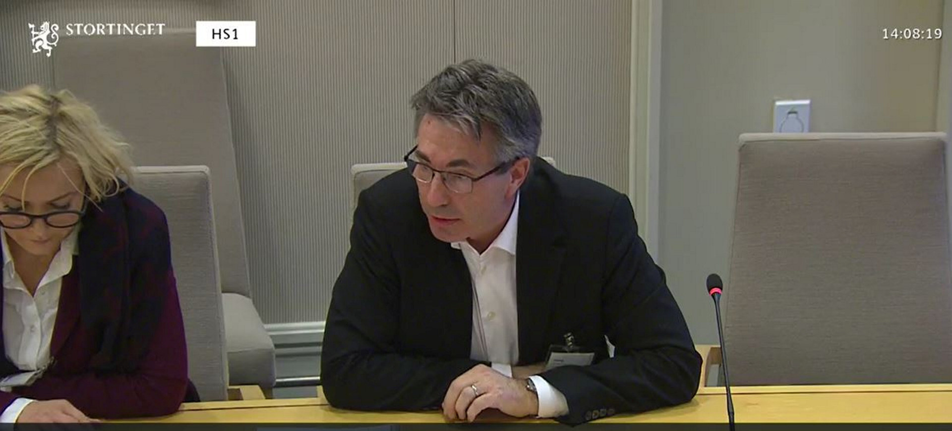 Vibeke Lærum og Hans Martin Møllhausen på høring i Stortinget om gjennomsnittsberegning av arbeidstid (Dok. 8) 26. november 2018. Skjermdump: Stortingets nett-tv