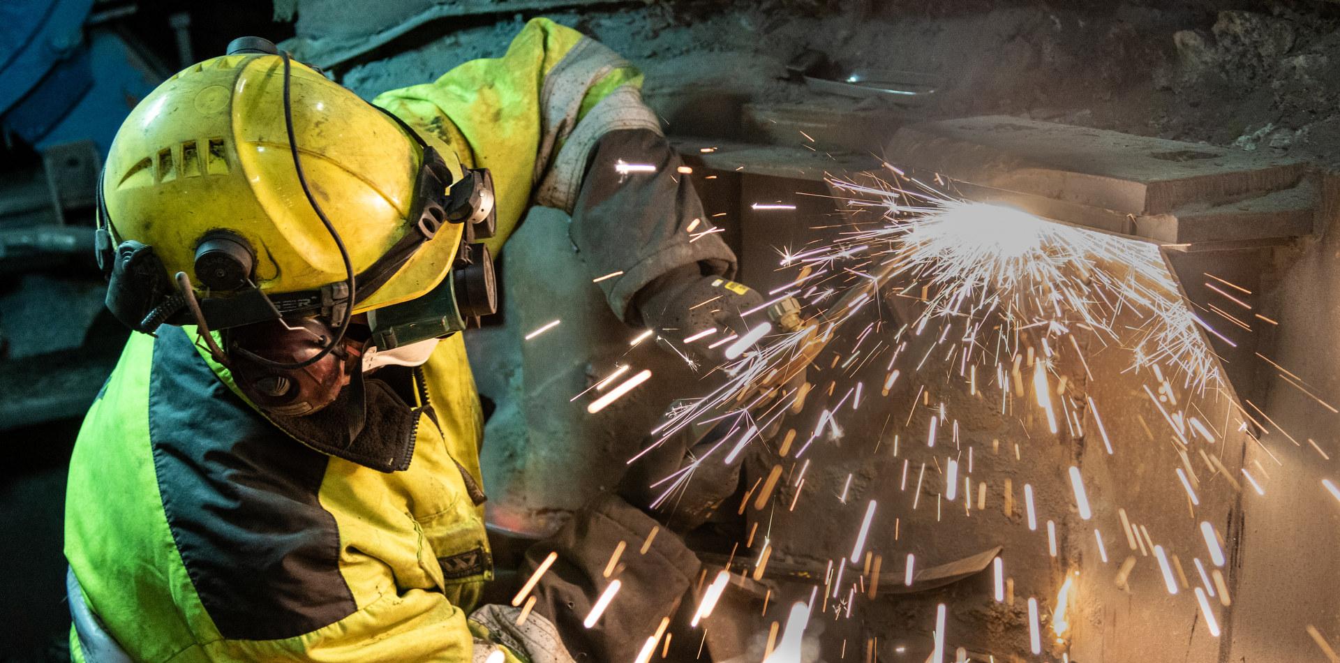 Industriarbeider som sveiser. Foto: Bernt Otto Moum
