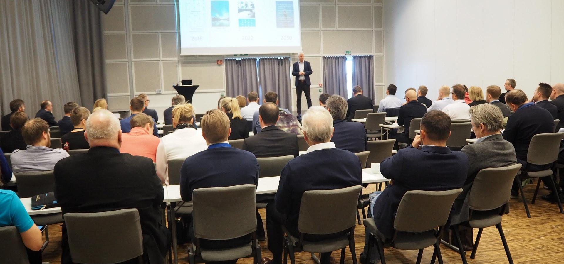 Generalforsamling for NRV og NVK 8. mars 2019. Sjeføkonom i NHO, Øystein Dørum på scenen. Foto: Cathrine W. Eidal