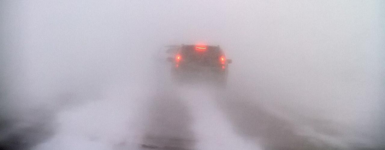 Bil i snøstorm
