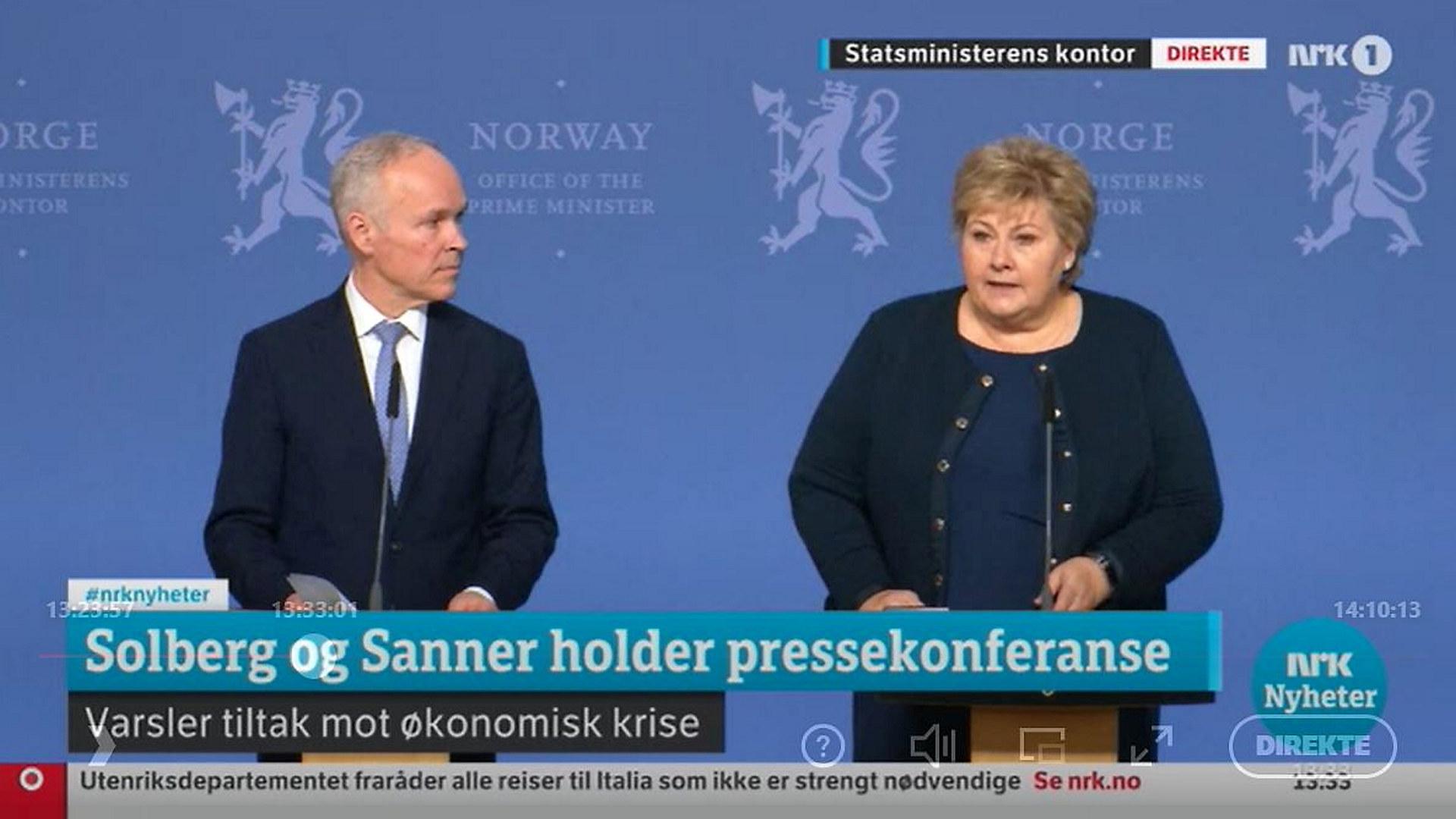 Statsminister Erna Solberg og finansminister Jan Tore Sanner avholder pressekonferanse i forbindelse med korona-utbruddet. Skjermdump: NRK