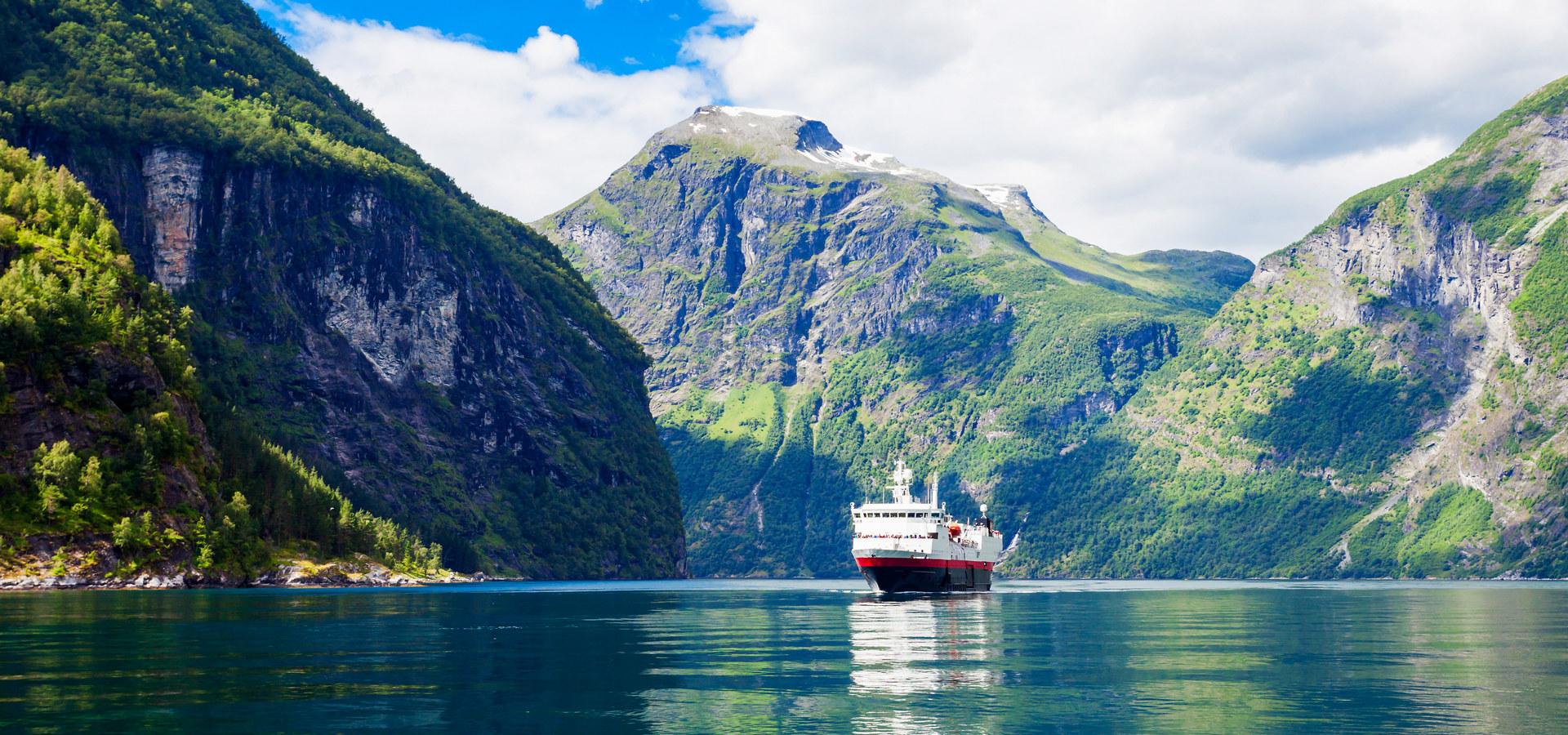 Cruise i Geirangerfjorden.