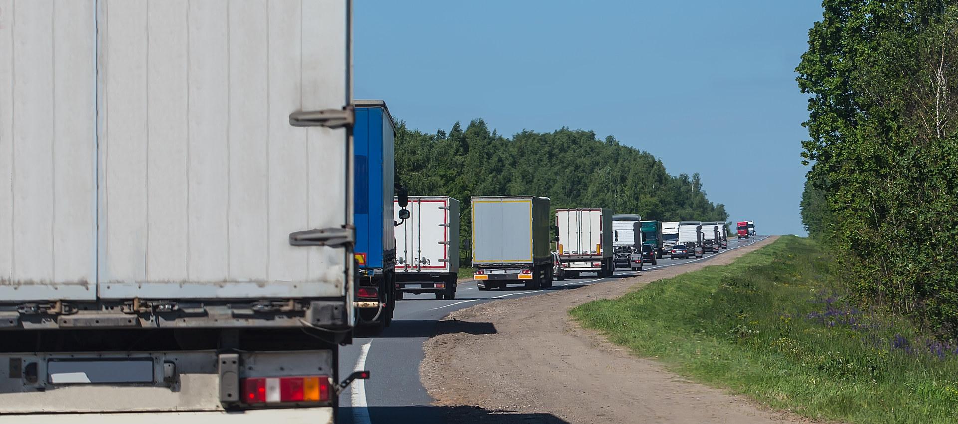 Lastebiler på vei