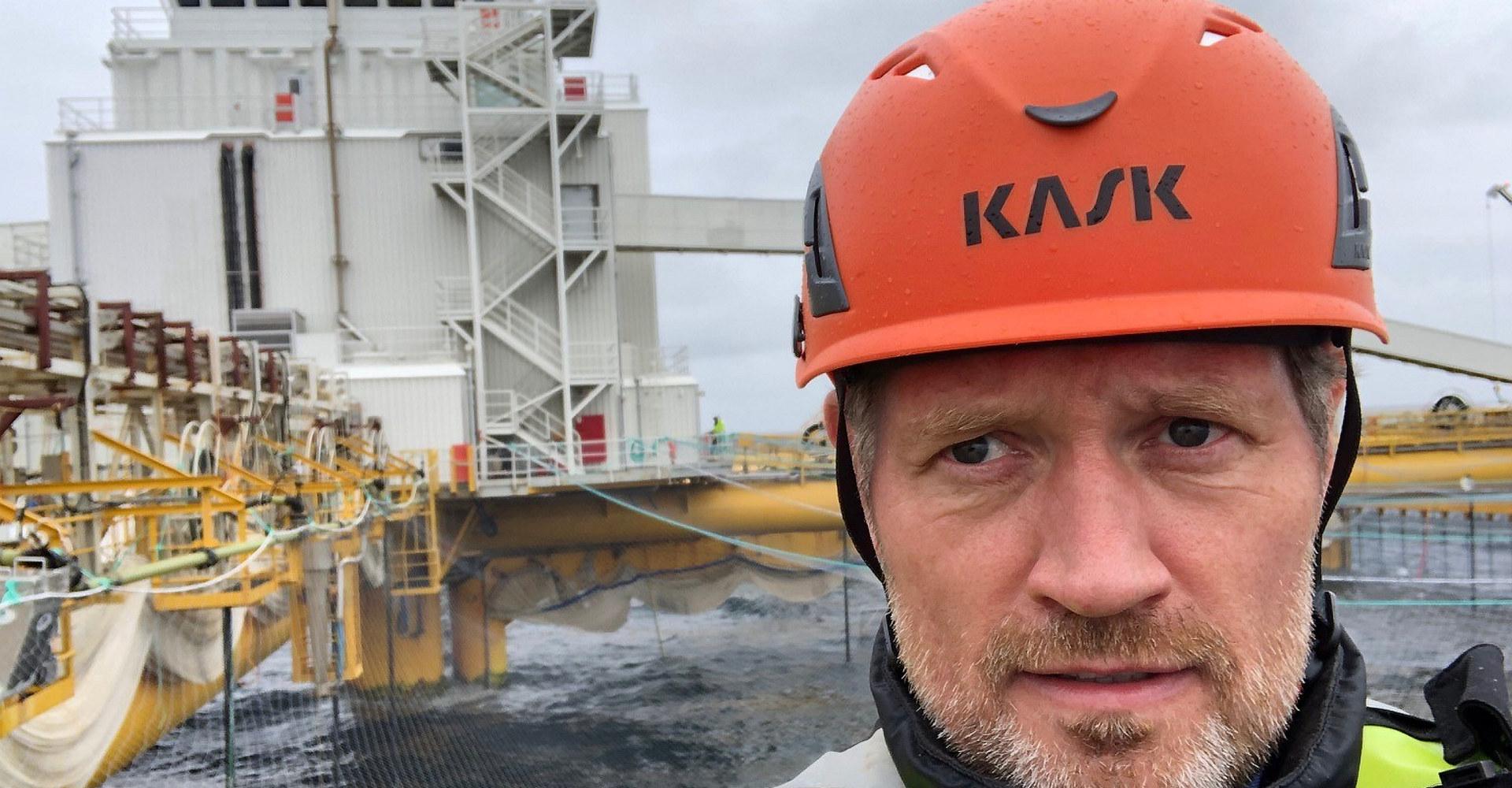 Stål Heggelund, fagsjef i Norsk Industri på besøk hos Salmars Ocean Farm 1. Foto: privat